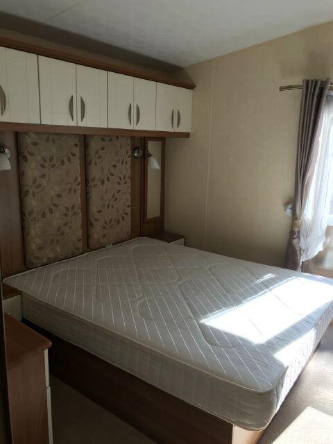 Abi4 bedroom